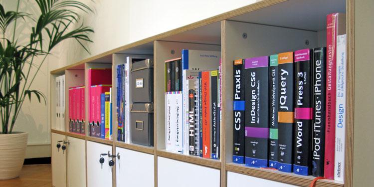 leichtle webdesign, Bücherregal